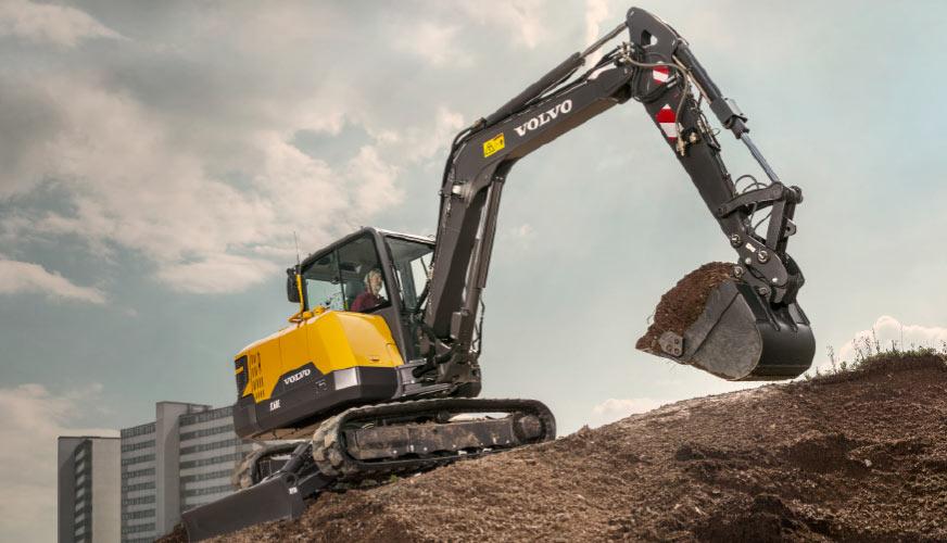 Kompakt grävare med stor prestanda